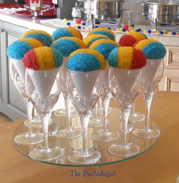Snow cone cupcakes at a circus birthday party