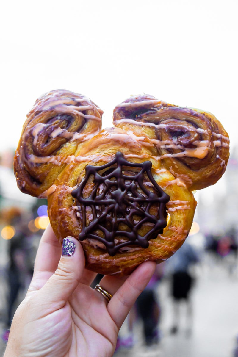 Halloween cinnamon roll at Mickey's Not So Scary Halloween Party