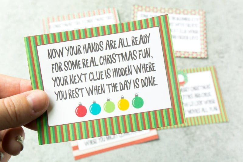 A Christmas scavenger hunt for kids on Christmas morning