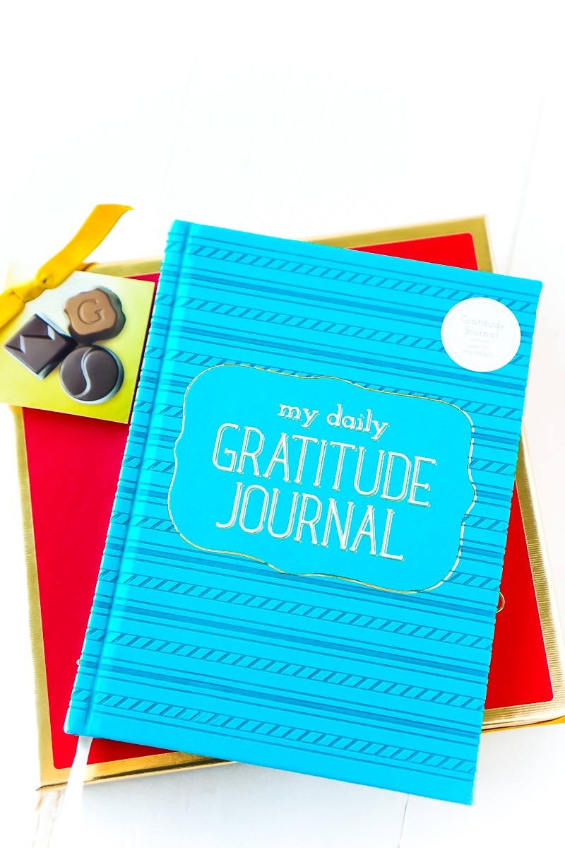 Some of the best gifts for grandparents including a journal, calendar, and more!