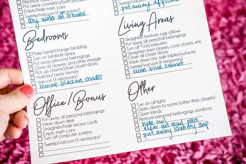 A free printable showing checklist with custom items noted