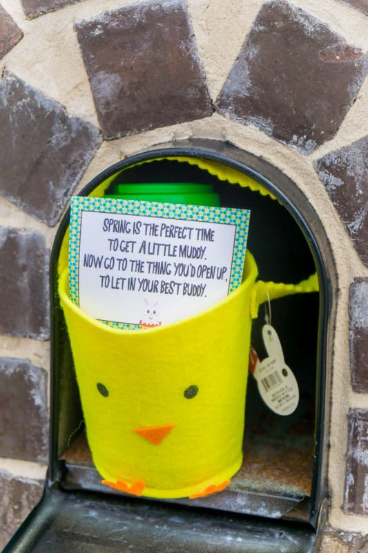 Easter scavenger hunt clues in a mailbox