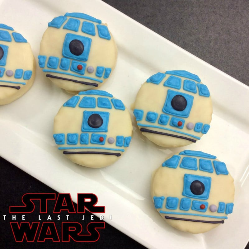 Cute R2D2 cookies to say May the Fourth Be With You