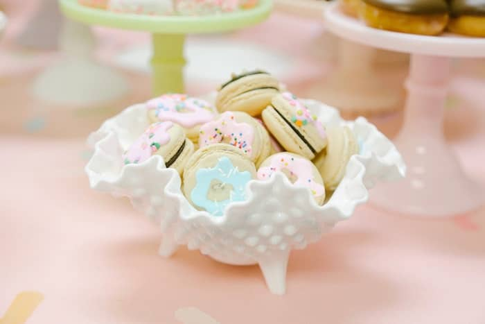 Donut party macarons