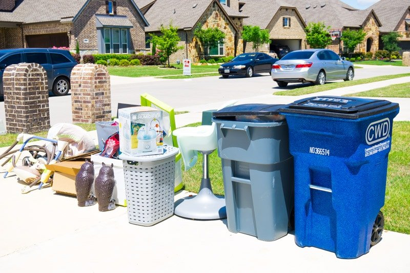 Trash to be picked up on moving day