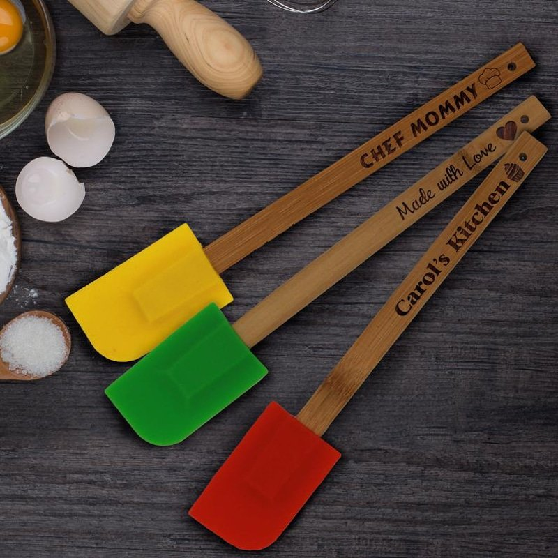Custom spatulas make great gifts for bakers