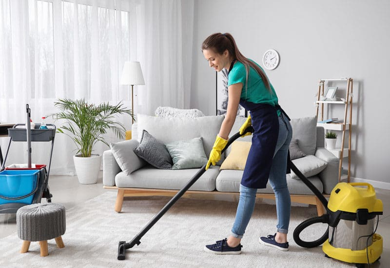House cleaning makes one of the best gifts for entertainers
