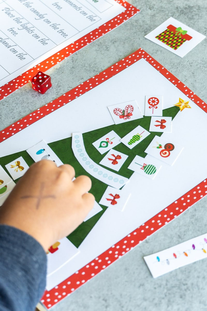 Roll a Christmas tree dice game