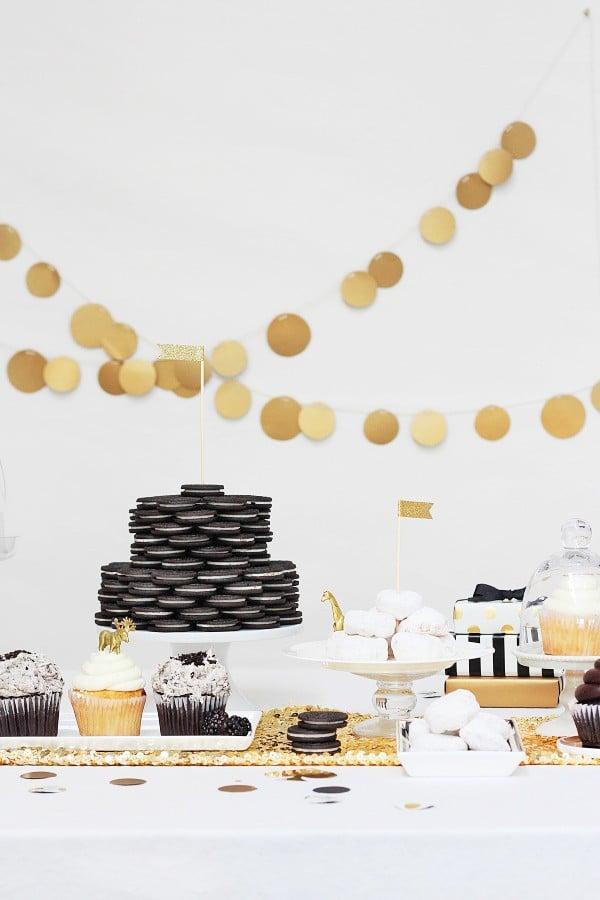An Oreo cake and other oscar party idea