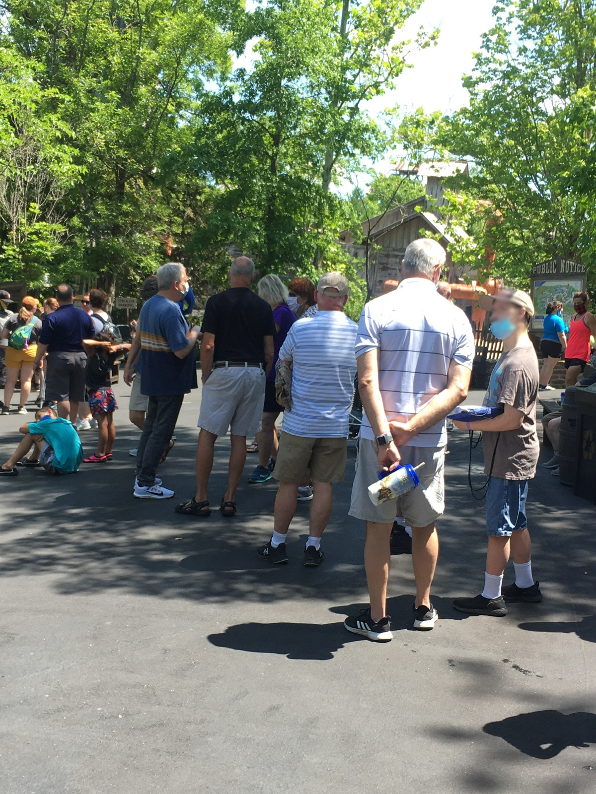 Long impromptu lines at Silver Dollar City