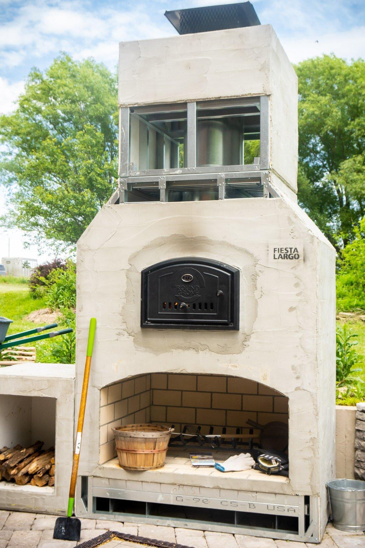 Prefabricated outdoor brick oven