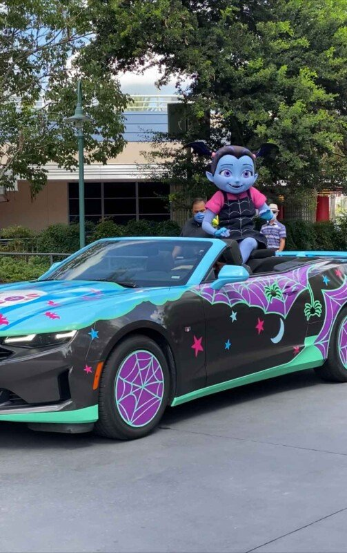 Vampirina in a car at Hollywood Studios
