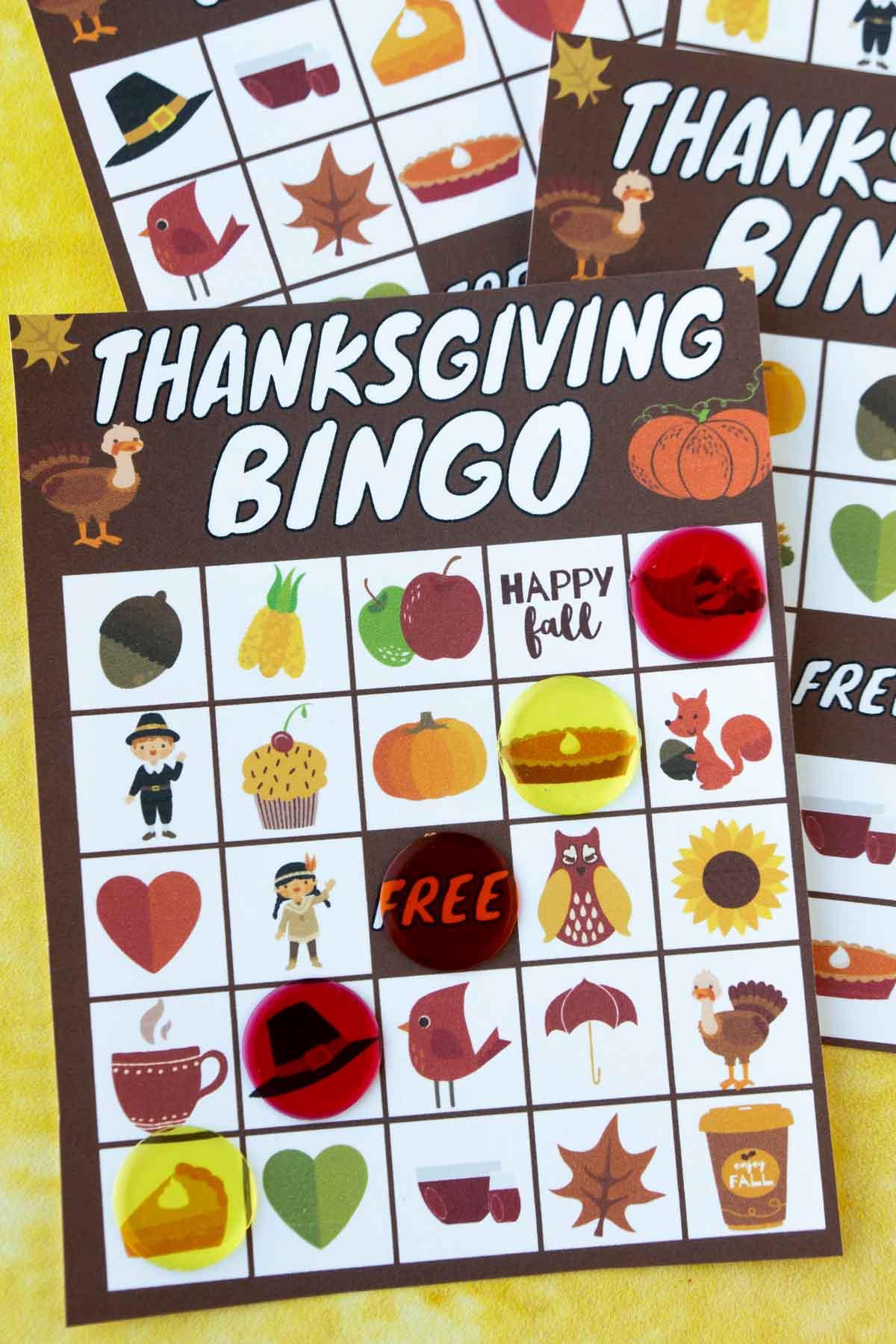 Thanksgiving bingo card with bingo markers