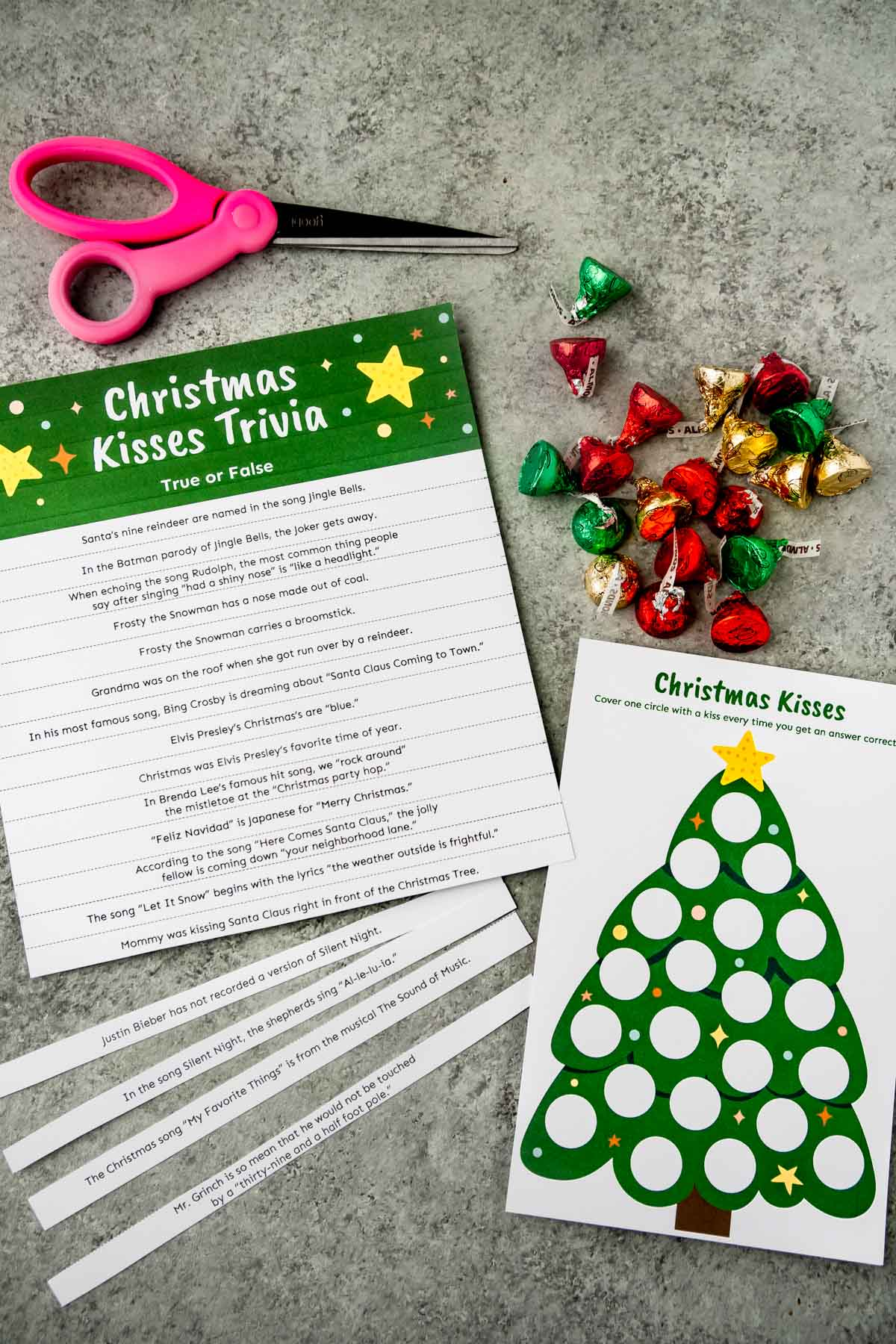 Supplies needed to play a Christmas trivia game