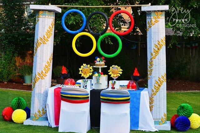 Olympic party table with rings