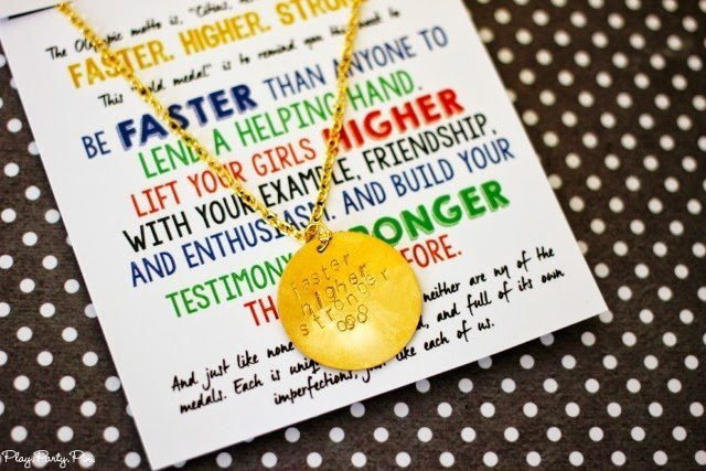 White card with a gold necklace on top