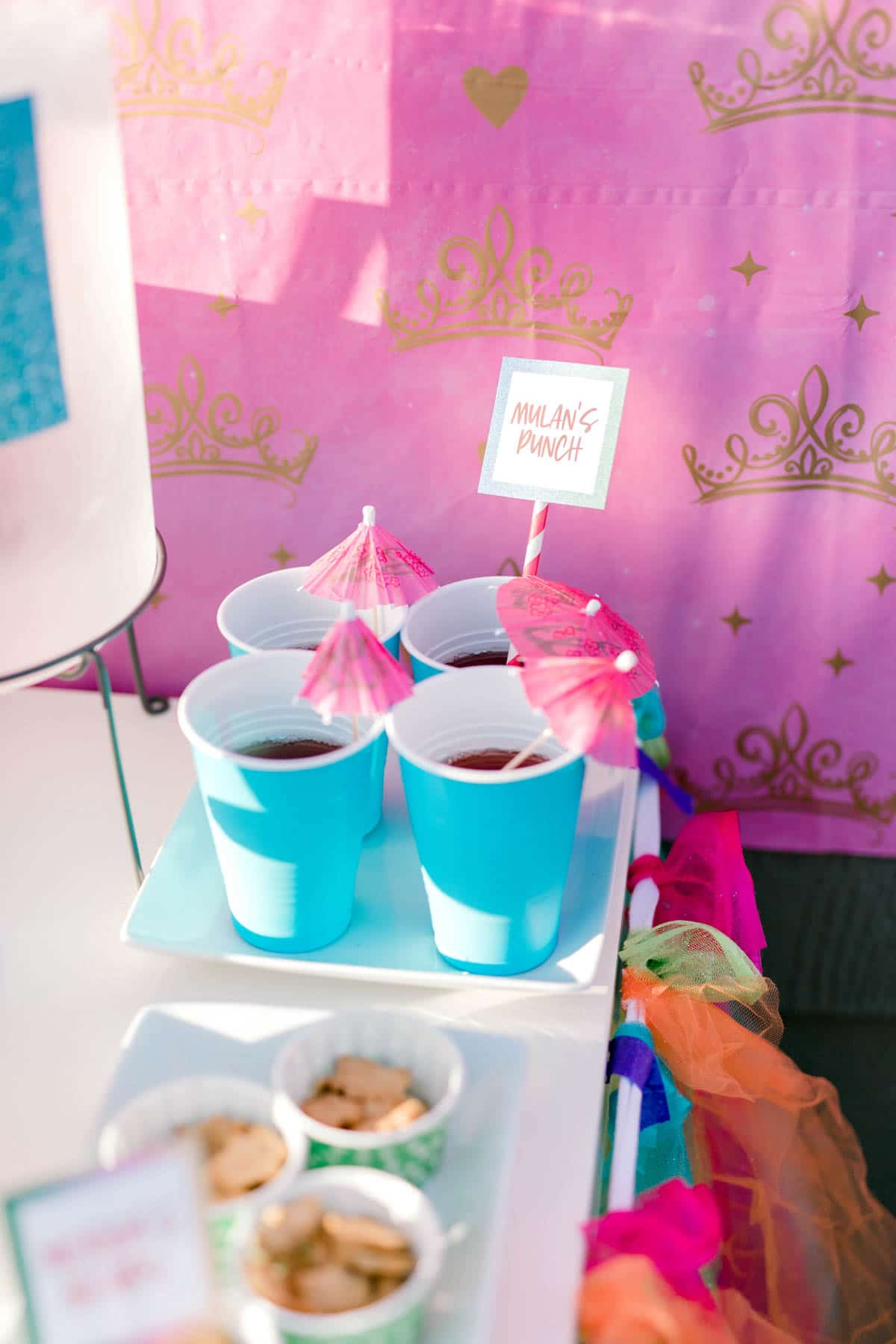blue cups with pink parasols