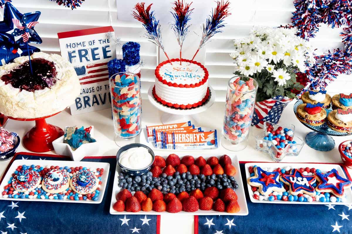 4th of July sweets table