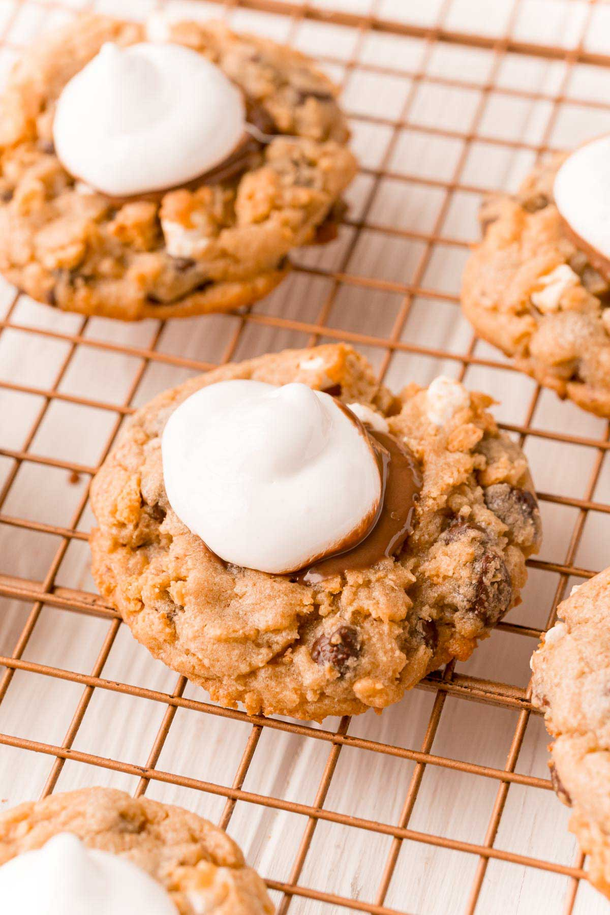 s'more cookies with marshmallow fluff on top